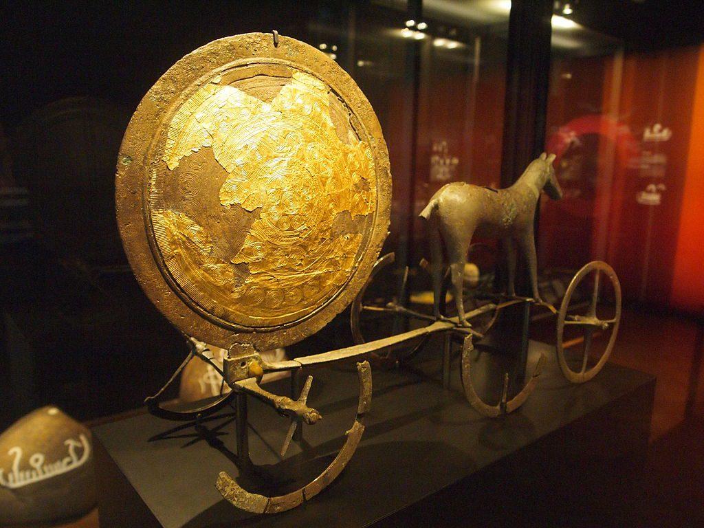 Trundhoman aurinkovaunut - Trundholm sun chariot