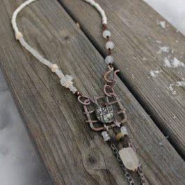 Ristikkokoruja osa 2 – Grid necklaces part 2