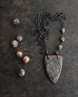 Kilpineidon kaulakoru – Shieldmaiden's necklace
