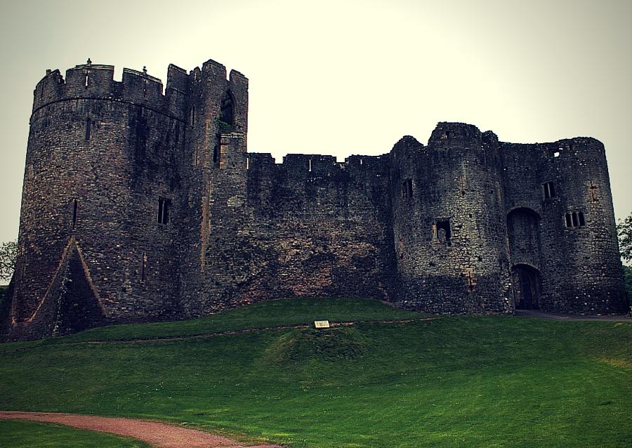 chepstow_castle_front