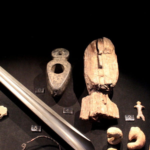 Stone Age human sculptures